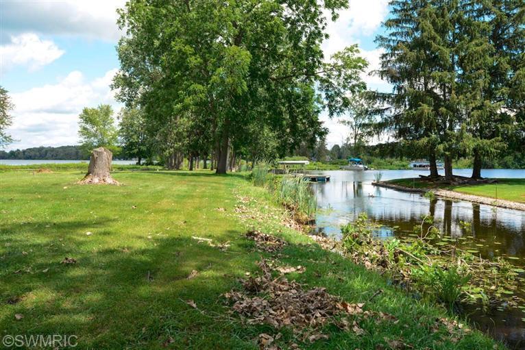 Single Family Residence, Traditional - Three Rivers, MI (photo 5)