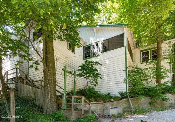 Cabin/Cottage, Single Family Residence - Covert, MI (photo 1)