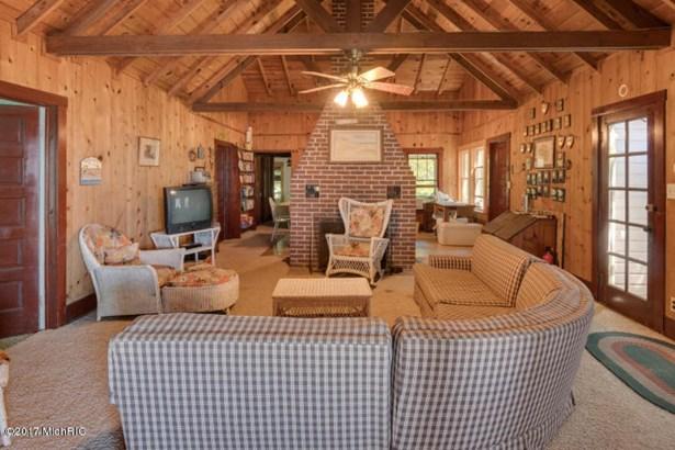 Cabin/Cottage, Single Family Residence - Covert, MI (photo 5)