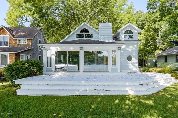 Single Family Residence, Traditional - Richland, MI