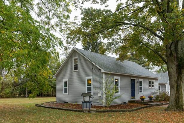 Cape Cod, Single Family Residence - Vicksburg, MI (photo 4)
