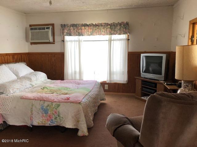 Cabin/Cottage, Single Family Residence - Allegan, MI (photo 5)