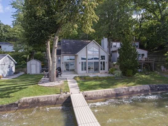 Single Family Residence, Contemporary - Shelbyville, MI (photo 2)
