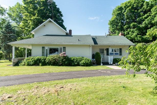 Farm House, Single Family Residence - East Leroy, MI (photo 5)