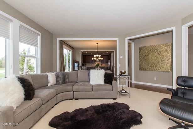 Single Family Residence, Traditional - Portage, MI (photo 4)