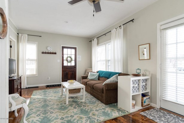 Single Family Residence, Bungalow - South Haven, MI (photo 4)