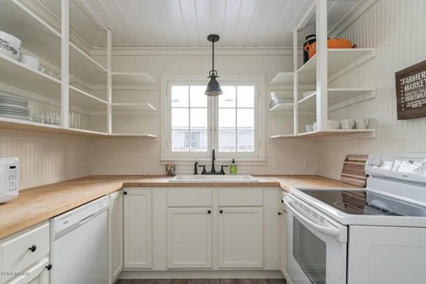 Single Family Residence, Bungalow - South Haven, MI (photo 5)