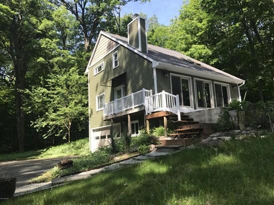 Single Family Residence, Contemporary - Richland, MI (photo 1)