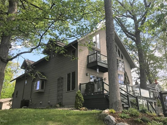 Single Family Residence, Traditional - Battle Creek, MI (photo 3)