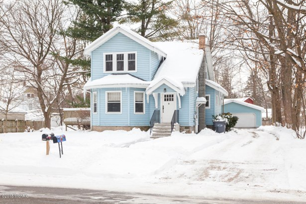 Single Family Residence, Traditional - Richland, MI (photo 1)