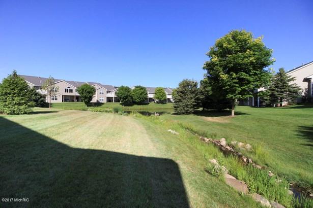 Condominium, Ranch - Portage, MI (photo 4)