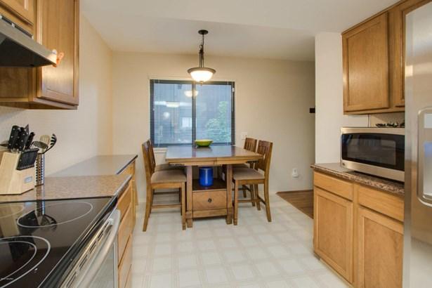Condominium, Traditional - Kalamazoo, MI (photo 5)