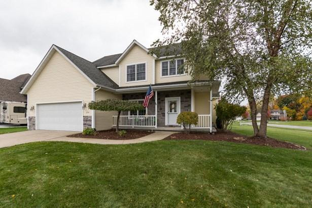 Single Family Residence, Traditional - Stevensville, MI (photo 1)
