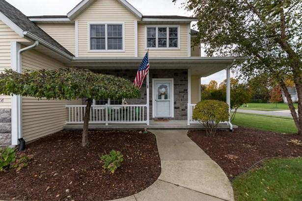 Single Family Residence, Traditional - Stevensville, MI (photo 3)
