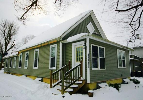 Single Family Residence, Bungalow - Three Oaks, MI (photo 1)