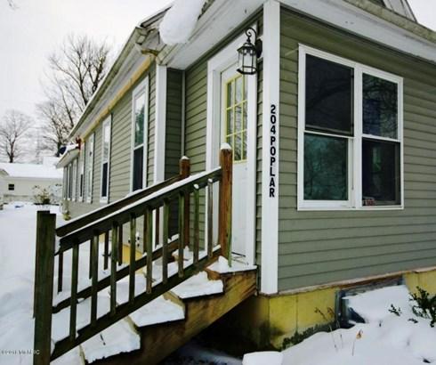 Single Family Residence, Bungalow - Three Oaks, MI (photo 3)