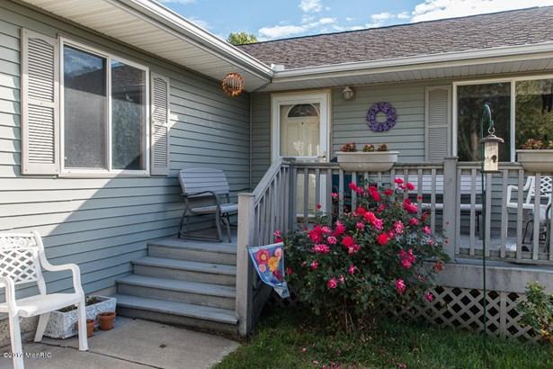 Single Family Residence, Ranch - Battle Creek, MI (photo 4)