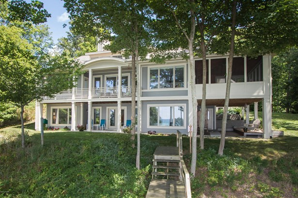 Single Family Residence, Traditional - South Haven, MI (photo 2)