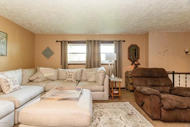 Single Family Residence, Bi-Level - Plainwell, MI (photo 5)