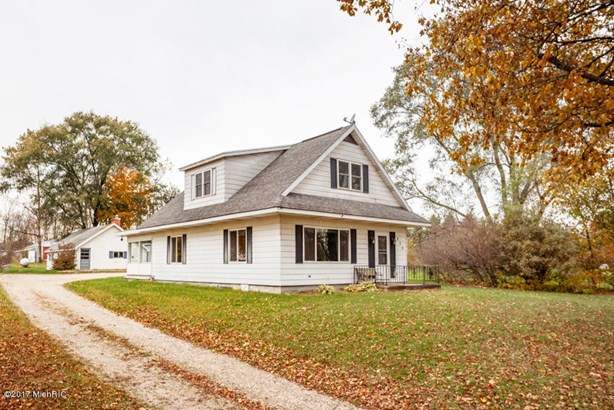 Farm House, Single Family Residence - Plainwell, MI (photo 1)