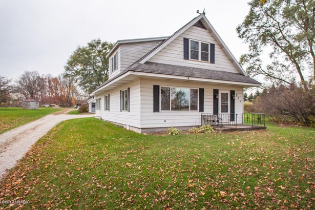 Farm House, Single Family Residence - Plainwell, MI (photo 2)