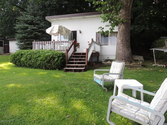 Cabin/Cottage, Single Family Residence - Bloomingdale, MI (photo 1)