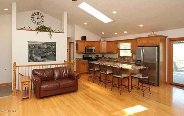 Single Family Residence, Ranch - Vicksburg, MI (photo 4)