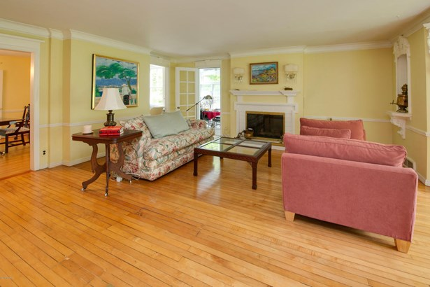 Single Family Residence, Traditional - Fennville, MI (photo 5)