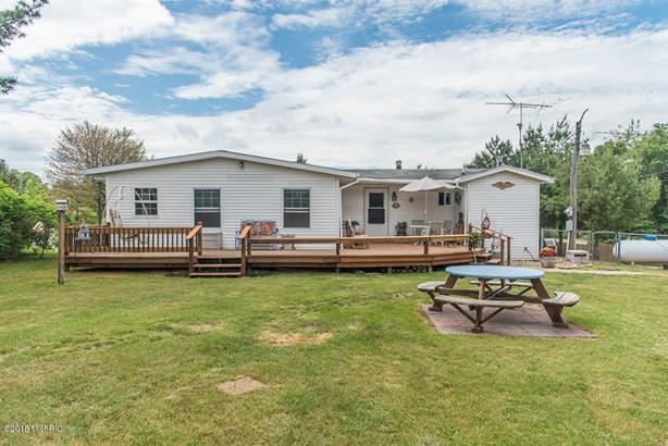 Single Family Residence, Ranch - Bellevue, MI (photo 2)