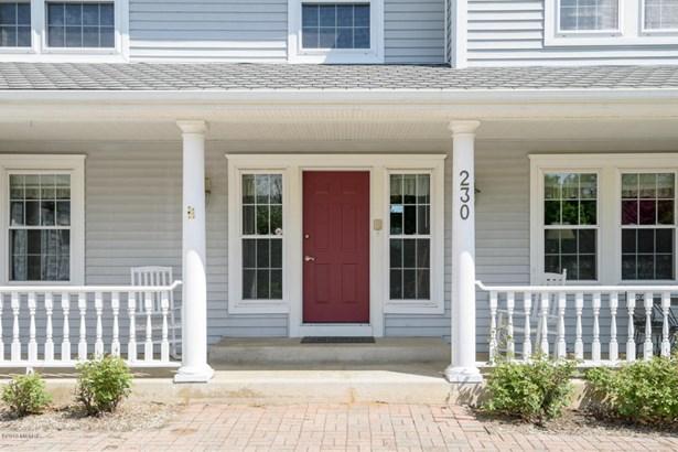 Single Family Residence, Traditional - Plainwell, MI (photo 2)
