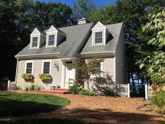 Cape Cod, Single Family Residence - Shelby, MI (photo 1)