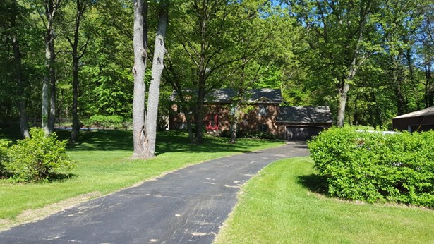 Single Family Residence, Bi-Level - Mattawan, MI (photo 1)