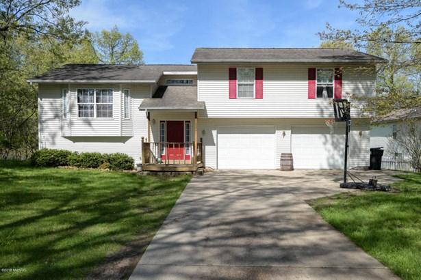 Single Family Residence, Bi-Level - Wayland, MI (photo 1)
