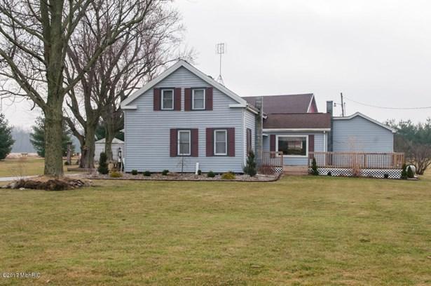 Single Family Residence, Traditional - Union City, MI (photo 3)