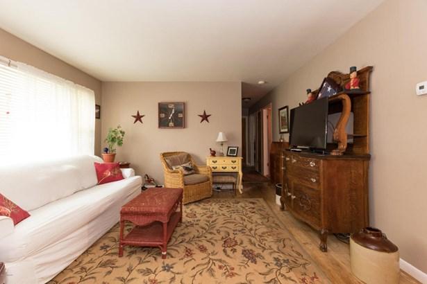 Single Family Residence, Ranch - Watervliet, MI (photo 5)