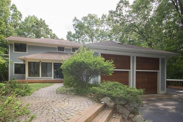 Single Family Residence, Contemporary - Kalamazoo, MI (photo 4)