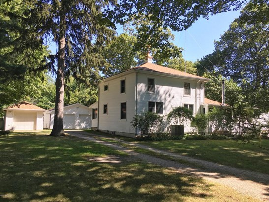 Single Family Residence, Traditional - Coloma, MI (photo 1)