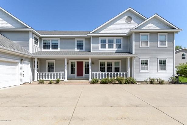 Single Family Residence, Traditional - Plainwell, MI (photo 1)
