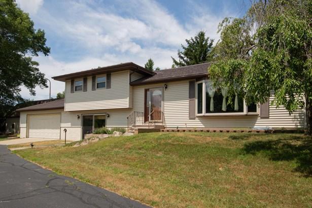 Single Family Residence, Quad Level - Plainwell, MI (photo 1)