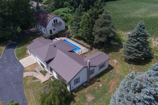 Single Family Residence, Quad Level - Plainwell, MI (photo 5)
