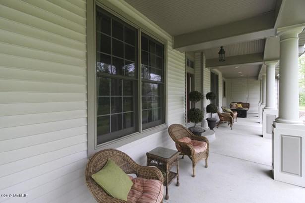 Single Family Residence, Traditional - Richland, MI (photo 2)