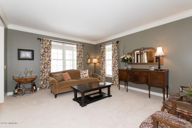 Single Family Residence, Traditional - Richland, MI (photo 5)