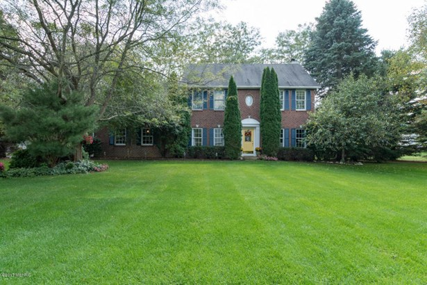 Single Family Residence, Colonial - Kalamazoo, MI (photo 1)