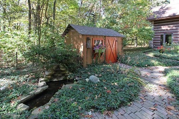 Single Family Residence, Traditional - Augusta, MI (photo 3)