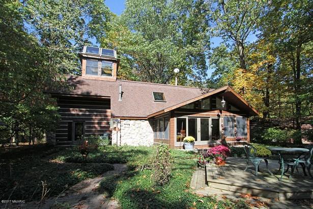 Single Family Residence, Traditional - Augusta, MI (photo 5)