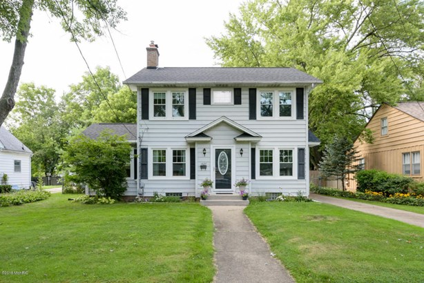 Single Family Residence, Traditional - Kalamazoo, MI