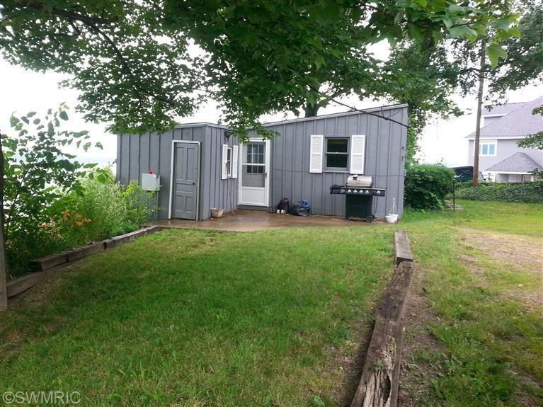 Cabin/Cottage, Single Family Residence - Delton, MI (photo 1)