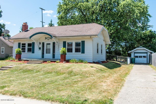 Single Family Residence, Bungalow - Battle Creek, MI