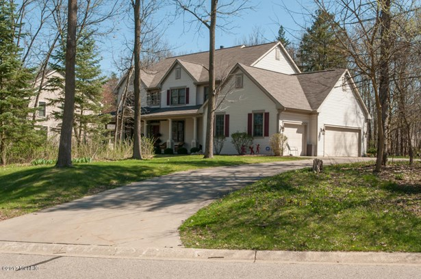 Single Family Residence, Traditional - Richland, MI (photo 2)