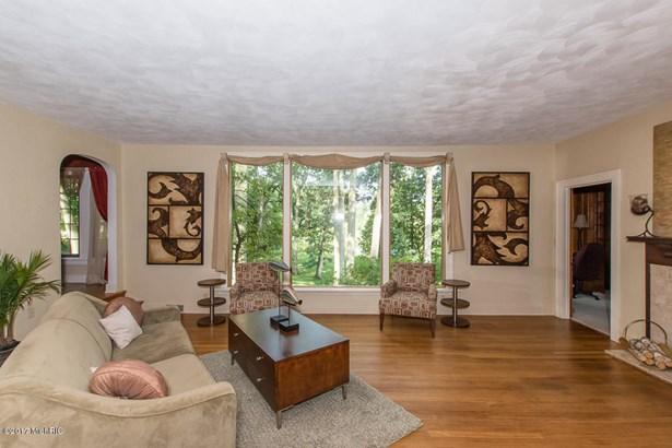 Tudor, Single Family Residence - Battle Creek, MI (photo 5)